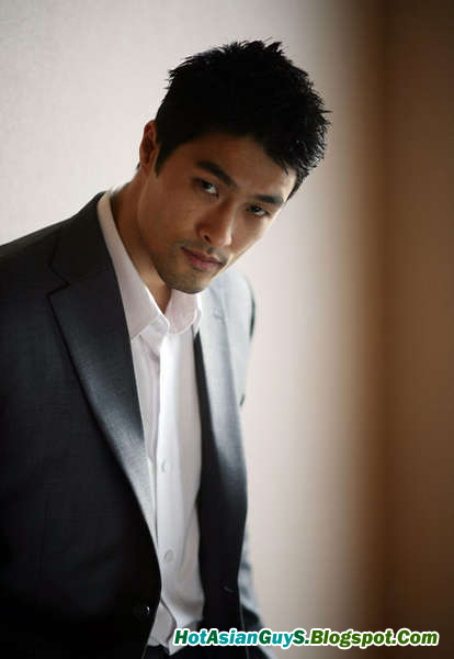 Johnny Tri Nguyen (1974- ) is an American actor. He was born in ...