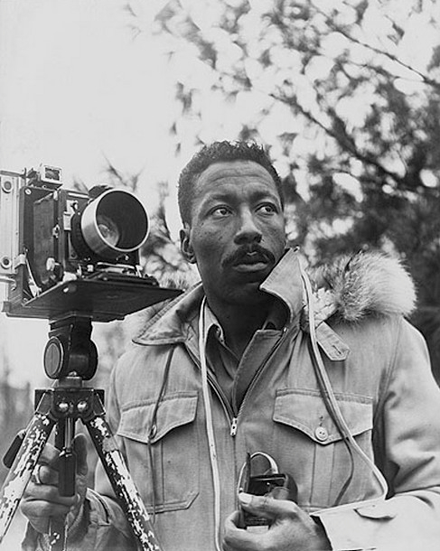 a biography of gordon parks an american photographer Gordon parks photography for sale 5 photographs harlem rooftops, red jackson, harlem rally, arrested: metropolitan baptist, contact sheet by gordon parks.
