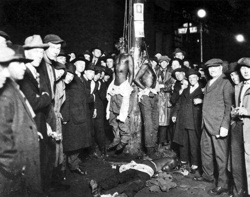758px-Duluth-lynching-postcard