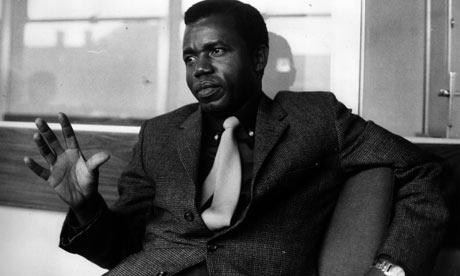 Chinua-Achebe-in-1967-001