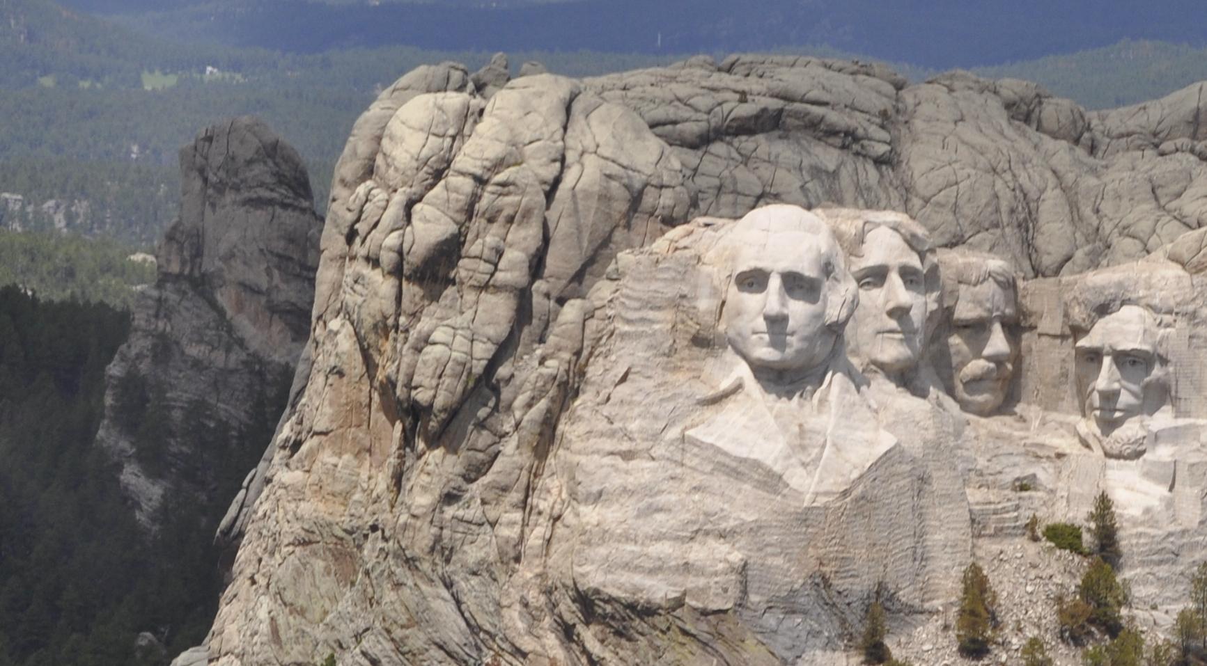 Mount Rushmore (1745m)...