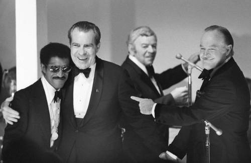 11-TCX-richard-nixon-sammy-davis-jr-party-0113-lg