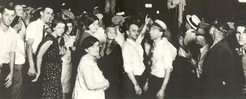 lynching-crowd