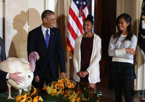 obama-sasha-malia-nov-2014