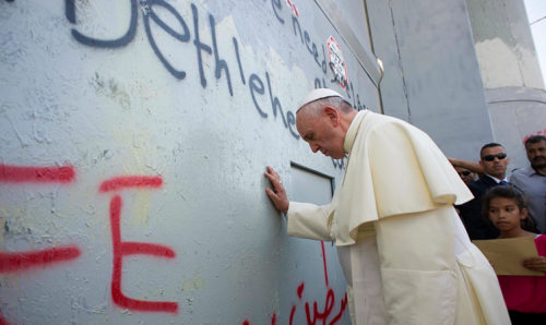pope-francis-at-the-wall