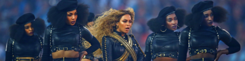 cropped-beyonce-and-dancers-at-super-bowl-2016.png