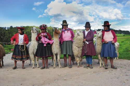 peruvian-highlander-women